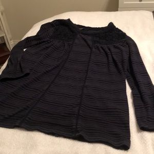 Lucky Brand mid-length sleeve top w/ embroidering